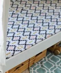 Organic Navajo Fitted Cot Sheet (120 x 60cm)