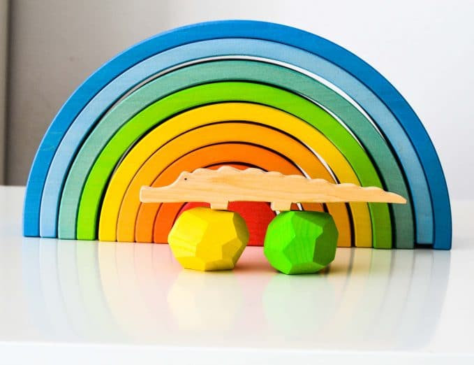 Ocamora Wooden Crocodile & Blue 9-Piece Rainbow