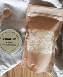 100% lanolin and soap flakes