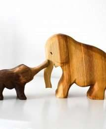 Predan large wooden elephant & small wooden elephant (trumpeting)
