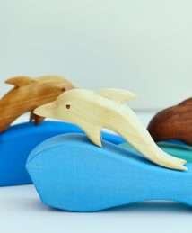 Predan wooden dolphin (1)