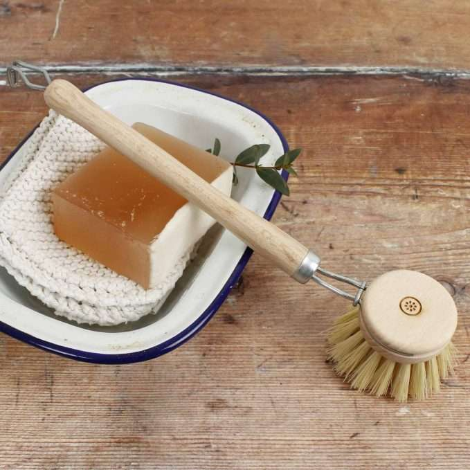 A Slice of Green Wooden Replaceable Head Dish Brush - Plant Based Bristles
